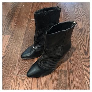 NWOT {Kelsi Dagger} Leather Booties, 7